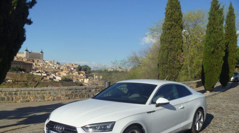 La segunda generación del Audi A5 Coupé potencia la esencia del modelo primitivo acentuando algunos de sus rasgos más característicos, como la línea de cintura en forma de onda.