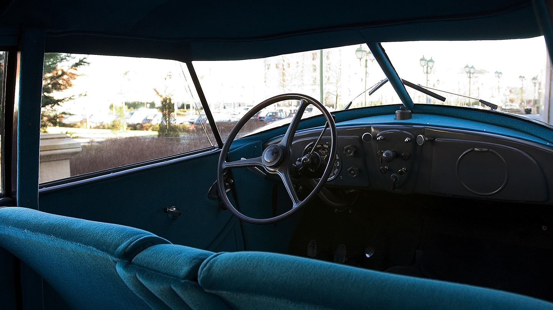 Interior del Peugeot 402 berlina