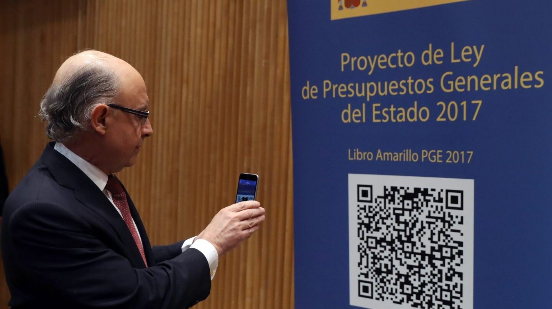 El ministro de Hacienda, Cristóbal Montoro, en la presentación de los Presupuestos de 2017.