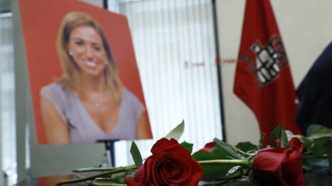 Capilla ardiente de Carme Chacón en la sede del PSOE.