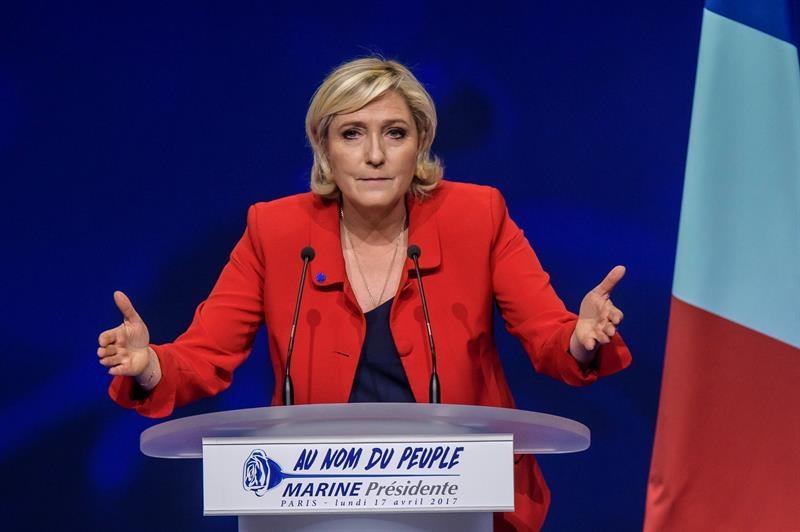 Marine Le Pen, candidata del Frente Nacional, en la campaña electoral.