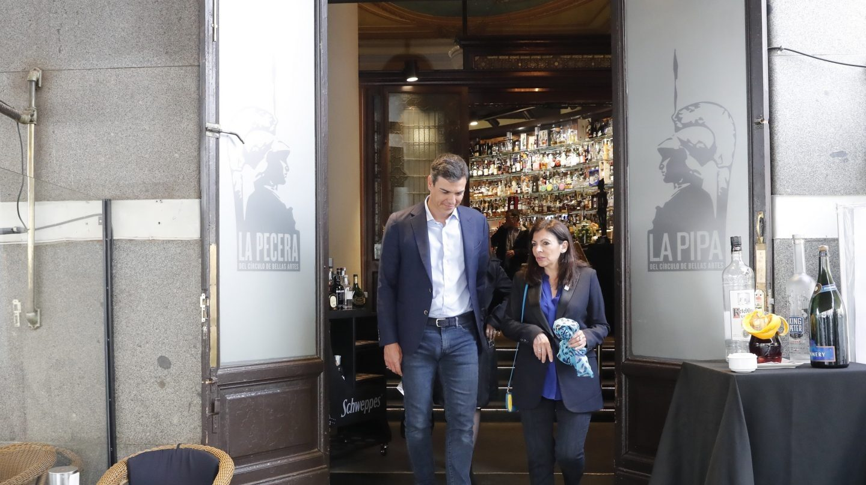 Pedro Sánchez, jutno a la alcaldesa de París, Anne Hidalgo.