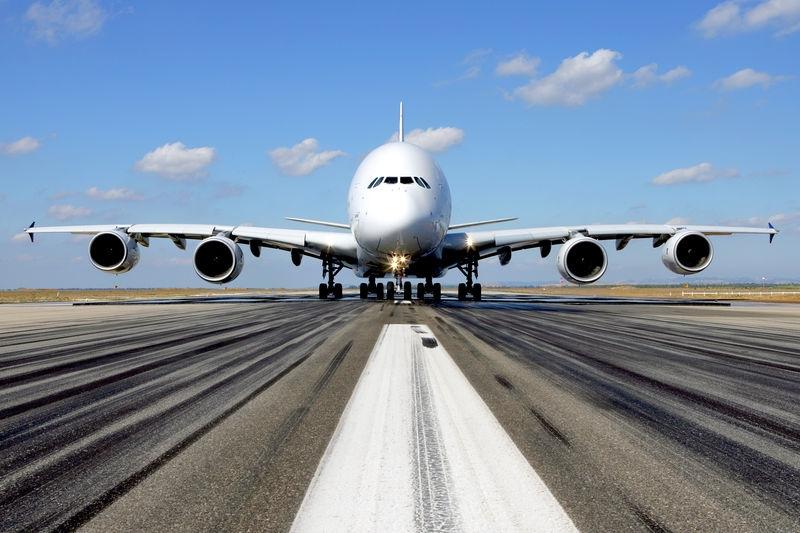 Un Airbus 380 antes de despegar.