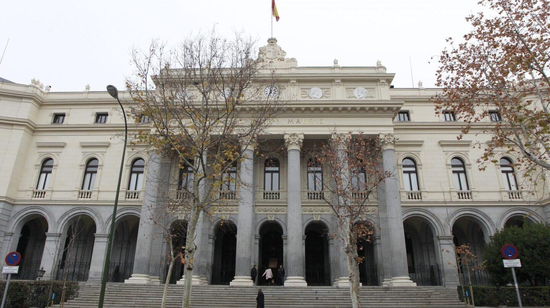Fachada del Palacio de la Bolsa, en Madrid.