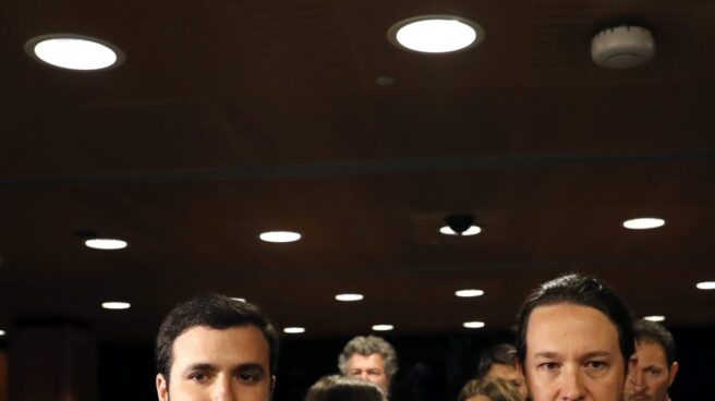 Alberto Garzón y Pablo Iglesias, en el Congreso.