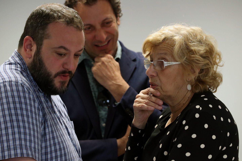 Guillermo Zapata y Manuela Carmena.