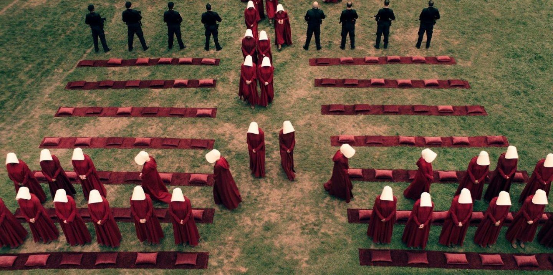 Fotograma de El Cuento de la Criada de HBO.