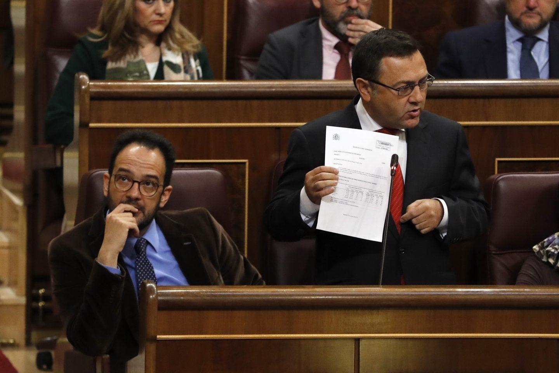 Miguel Angel Heredia, en el Congreso junto a Antonio Hernando.