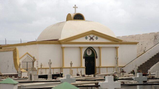 Pabellón militar del cementerio de Melilla donde reposan los restos de Sanjurjo.
