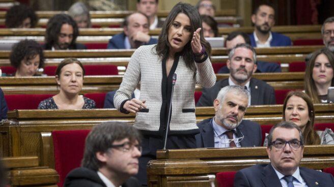 Inés Arrimadas abronca a Carles Puigdemont.