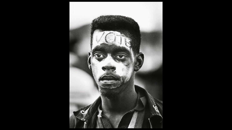 Uno de los manifestantes en la Marcha de Selma a Montgomery. Steve Schapiro.