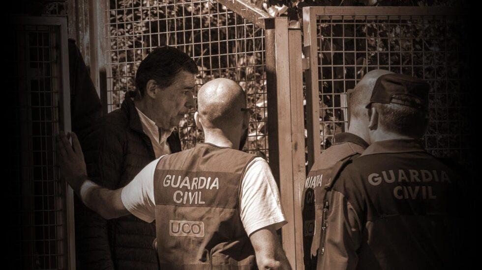 Ignacio González tras ser detenido por la UCO.