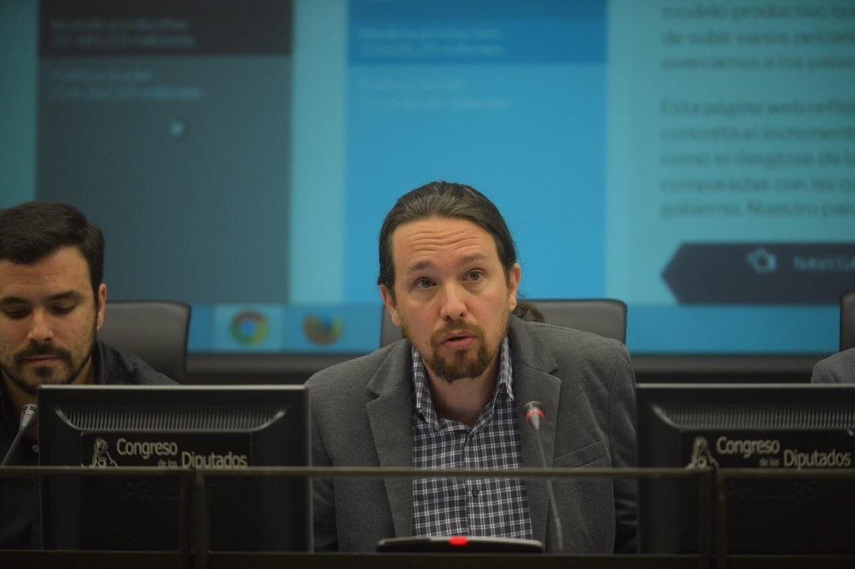 El líder de Podemos, Pablo iglesias, presenta sus Presupuestos alternativos, donde plantea nuevos impuestos a la banca.