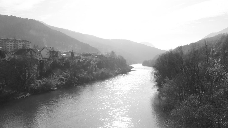 Río Drina junto a Foca