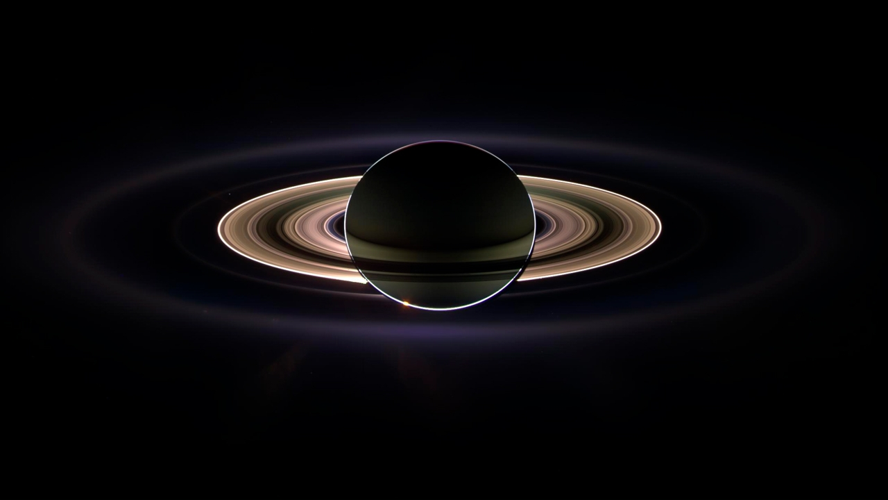 Saturno, con el Sol en contra