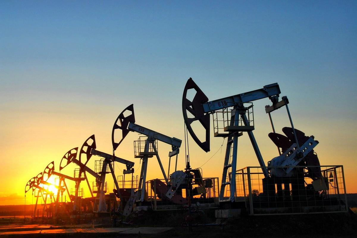 Pozos de petróleo en Irán.