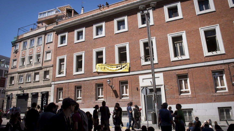 El edificio 'okupado' en Paseo del Prado 30.