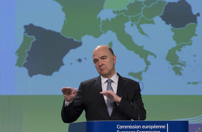 El comisario europeo de Asuntos Económicos, Pierre Moscovici, prevé que España reduzca su deuda pública hasta 2018.