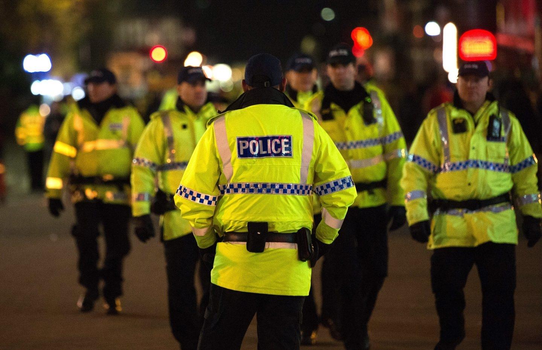 La Policía, en los alrededores del Manchester Arena.