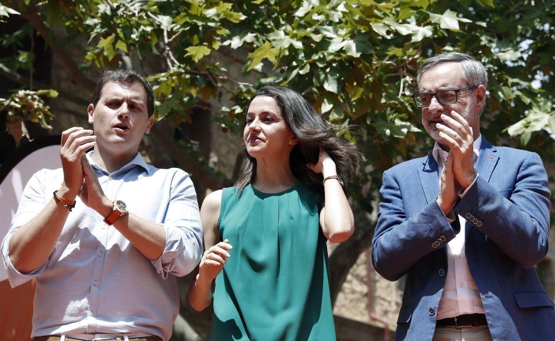 El líder de Ciudadanos, Albert Rivera, junto a Inés Arrimadas y José Manuel Villegas.
