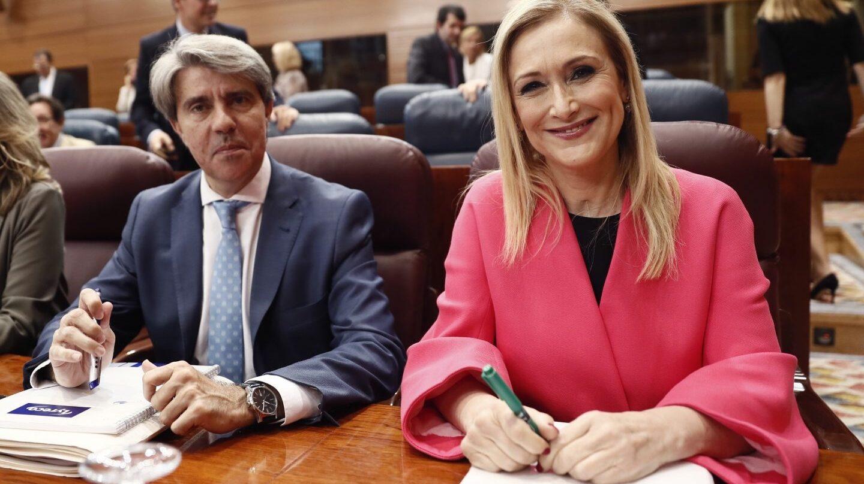 Angel Garrido y Cristina Cifuentes, en la Asamblea de Madrid.