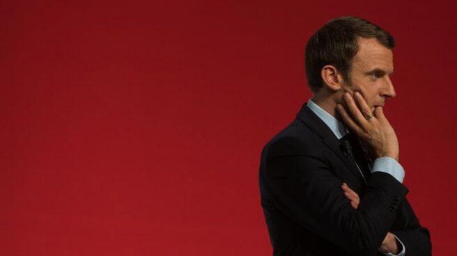 Emmanuel Macron, candidato al Elíseo, en un momento de reflexión durante un mitin electoral.