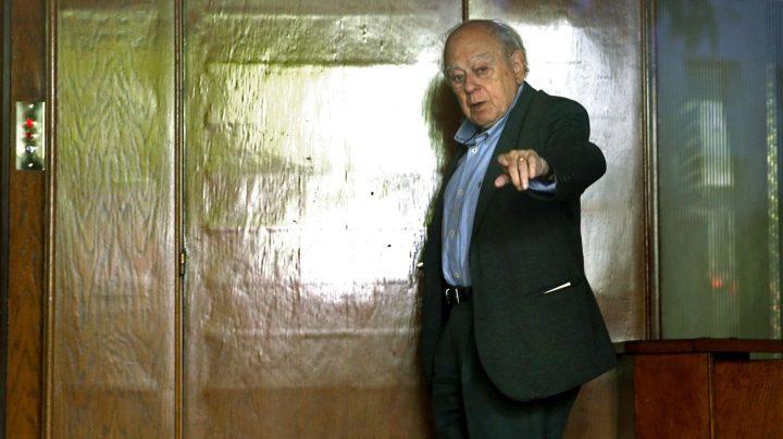 Jordi Pujol, en el portal de su casa de Barcelona.