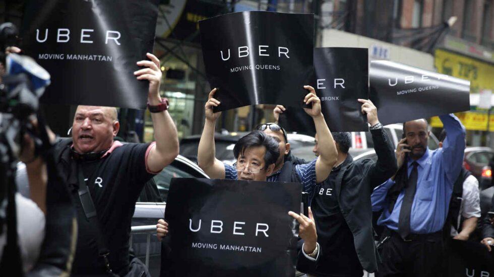 Conductores de Uber protestando en Nueva York.