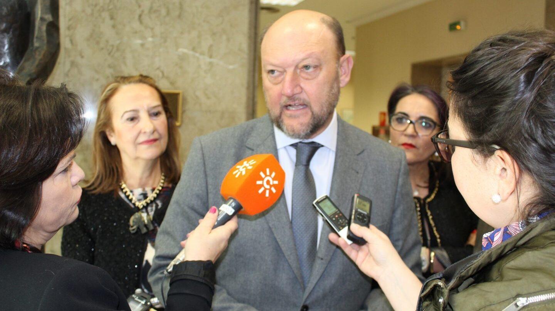 El coordinador de la Interparlamentaria del PSOE, Antonio Pradas.