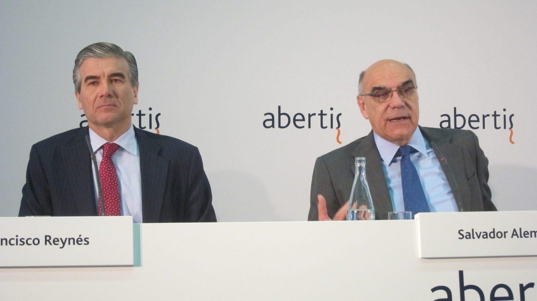 El consejero delegado de Abertis, Francisco Reynés, y el presidente del grupo, Salvador Alemany.