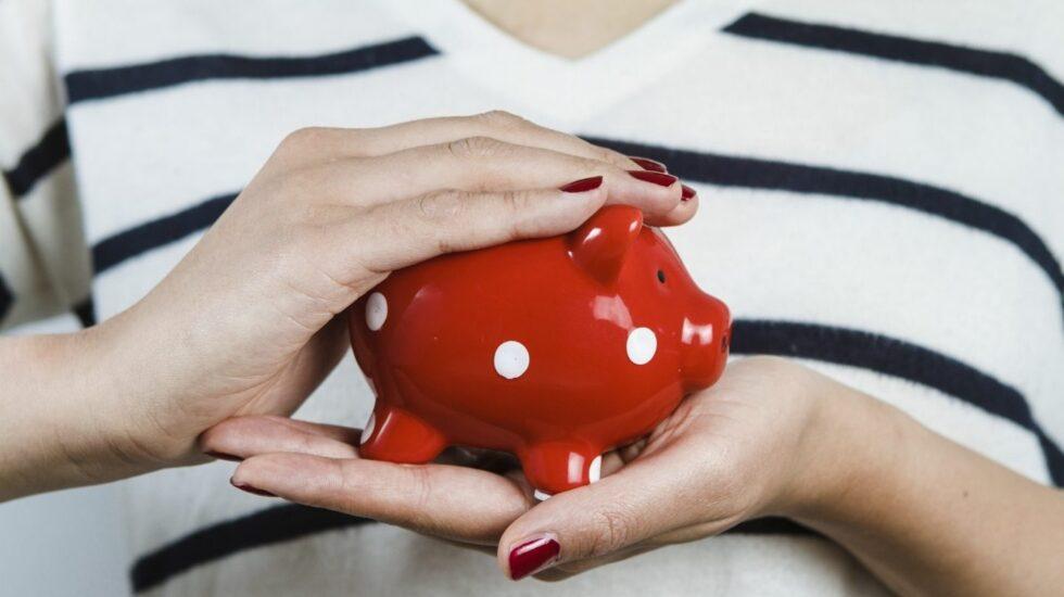 En la cesta de la compra, en las facturas, en los bancos y en los seguros se pueden ahorrar miles de euros al cabo del año.
