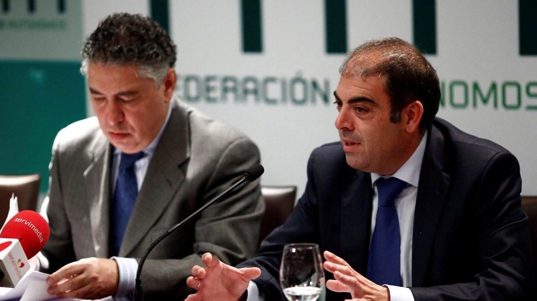 El presidente de ATA, Lorenzo Amor (derecha), junto al secretario de Estado de Seguridad Social, Tomás Burgos (izquierda).