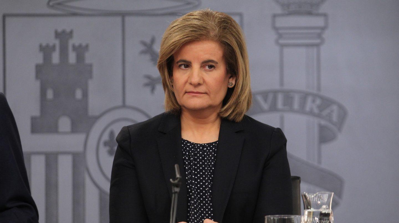 La ministra de Empleo, Fátima Báñez, asegura que reducir la precariedad y las pensiones son prioridades del Gobierno.