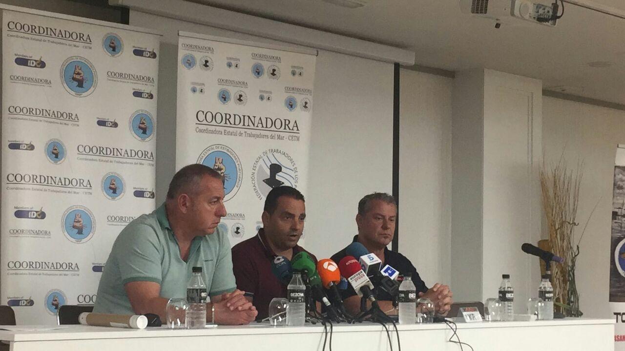 Representantes sindicales de los estibadores, este martes en Madrid.