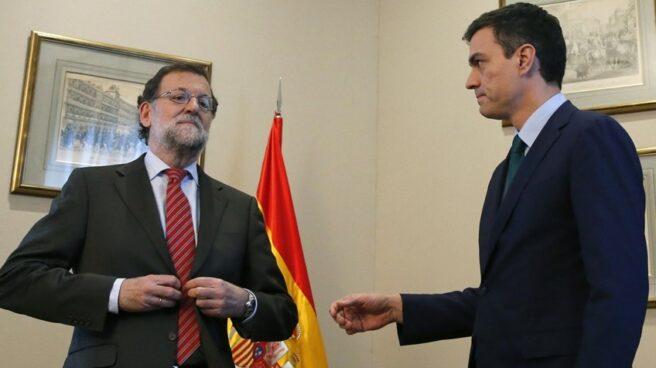 Rajoy y Sánchez en su reunión del 12 de febrero de 2016