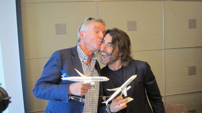 El consejero delegado de Ryanair, Michael O'Leary, y el de Globalia, Javier Hidalgo.