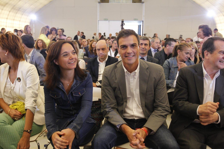La secretaria general del PSOE-M junto a Pedro Sánchez.
