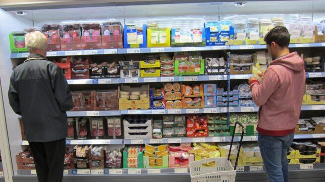 Menos frutas, menos carnes y pescados y menos pan en la cesta de la compra de los españoles en 20116.
