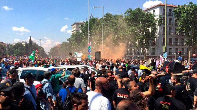 Concentración de taxistas en el centro de Madrid.