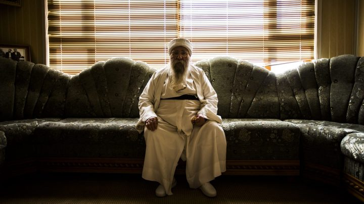 El líder espiritual yazidi, Baba Sheij,