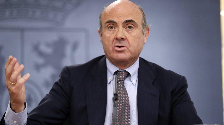 El ministro de Economía, Luis de Guindos, en la rueda de prensa posterior al Consejo de Ministros.