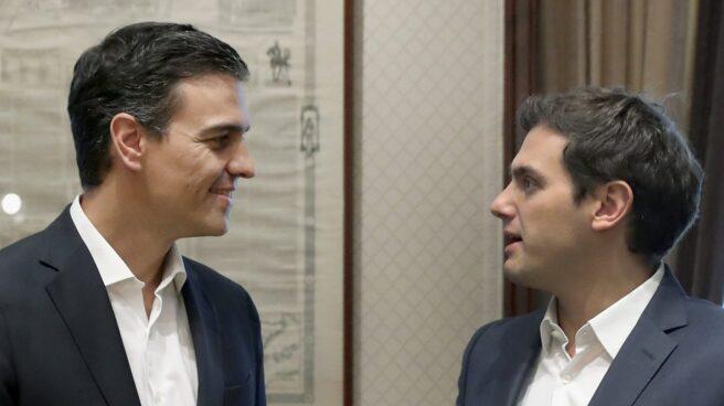Pedro Sánchez y Albert Rivera, en el Congreso en 2016