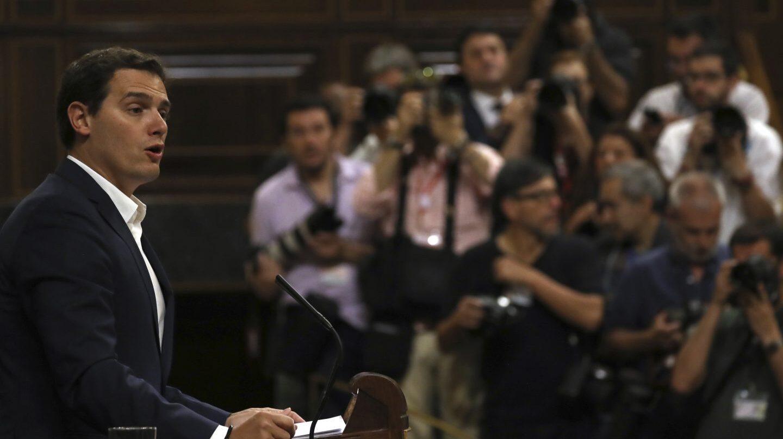 Albert Rivera, líder de Ciudadanos, durante su intervención en la moción de censura de Podemos a Rajoy.