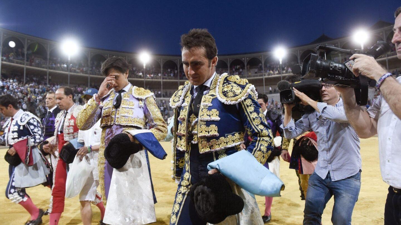 El Fandi y Roca Rey tras enterarse de la muerte de Iván Fandiño.