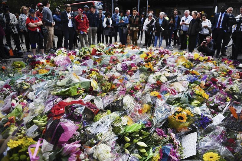 Homenaje a las víctimas del atentado del Puente de Londres