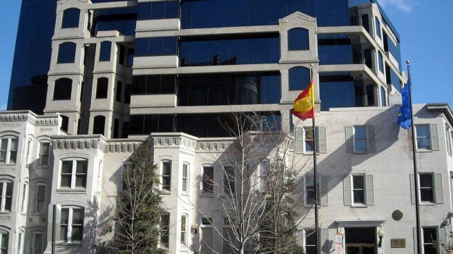 Fachada de la embajada española en Washington (EEUU).