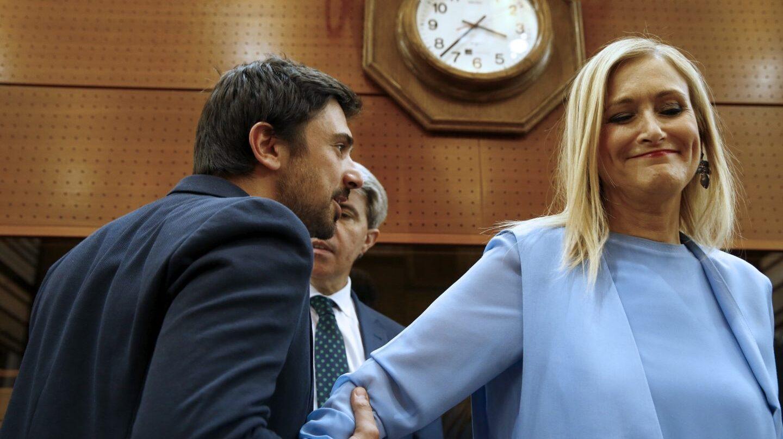 Ramón Espinar y Cristina Cifuentes, en la Asamblea de Madrid.