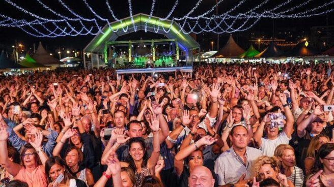 Público en el Festival Intercultural de Santander.