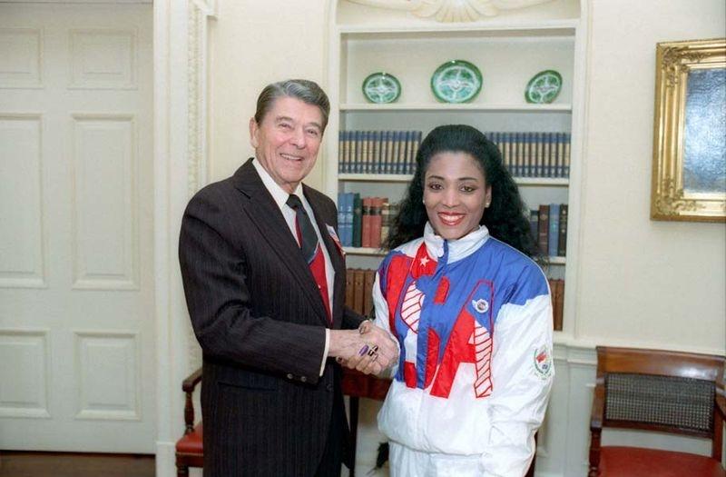 Florence Griffith-Joyner, con el presidente norteamericano Ronald Reagan.