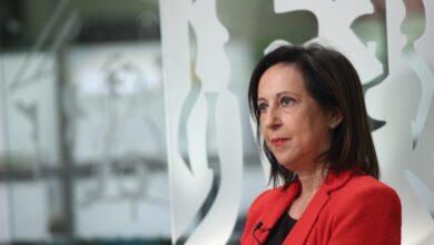 """La ministra Robles defiende al emérito y dice que hablar de una República es """"perder el tiempo"""""""